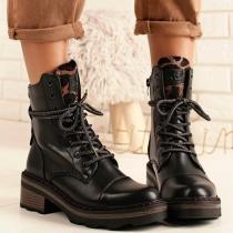 Botín militar Xti, lengüeta print, ya disponible en tienda y en nuestra web, disponible del 36 al 41 Web ⤵️ https://boxmoda.es/calzado/711-1412-botin-xti-militar-lengueta-print-negro.html#/27-numero-36